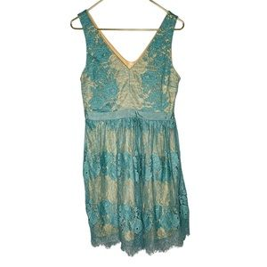 Francesca's Valentines Day Night out lace dress M